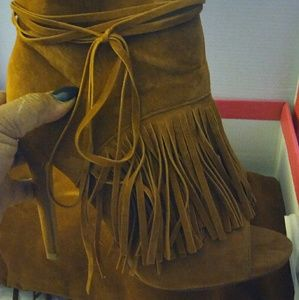 Woman's tall boots